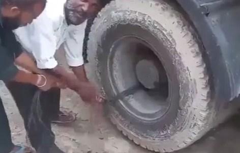 """Arrancando un camión usando una de sus ruedas como """"KERS"""""""