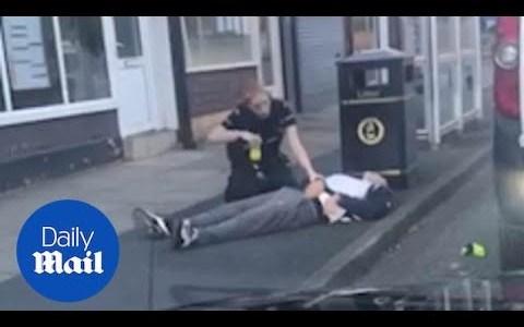 Un policía que estaba siendo superado por un agresor, recibe ayuda inmediata de su compañera en forma de TÁSER