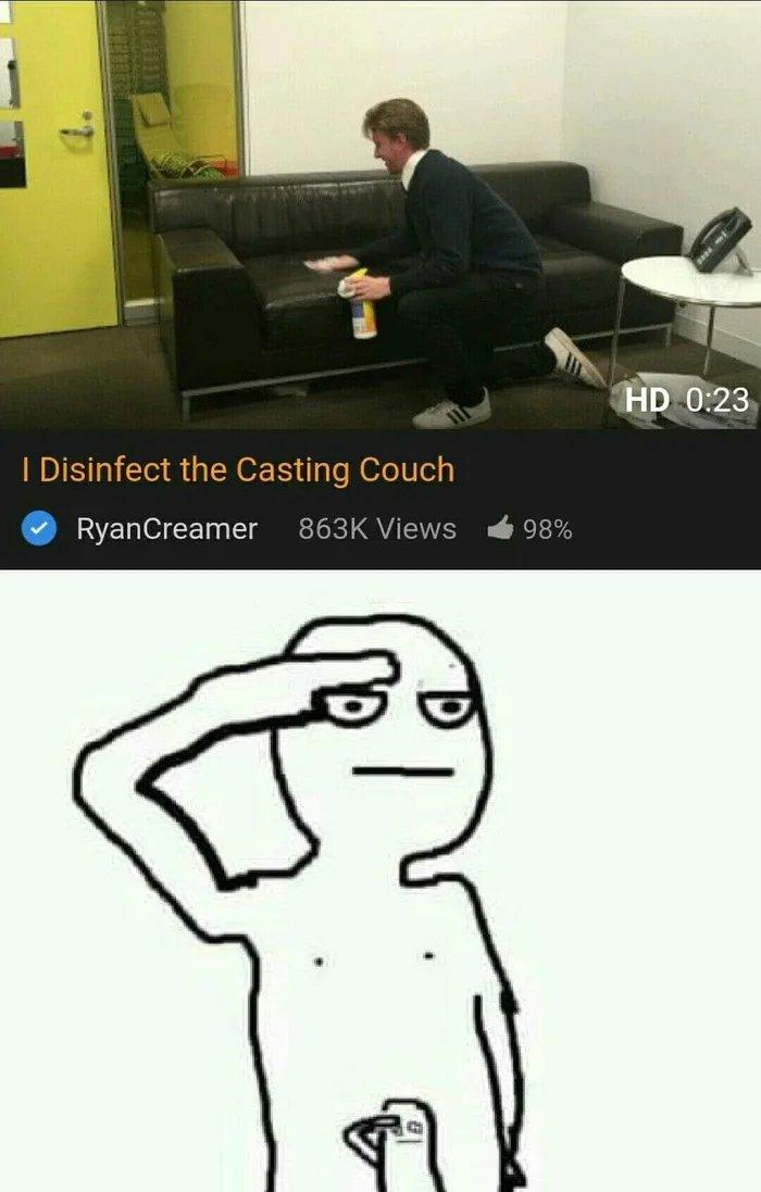 Un profesional limpia su sofá después de cada casting