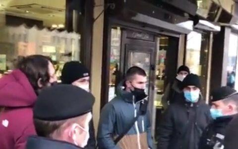 Esto es lo que dura una protesta islamista cerca de la embajada francesa de Moscú