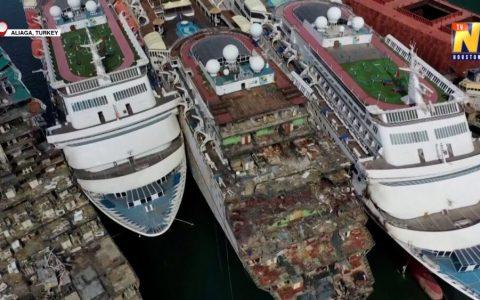 Los puertos de Turquía están a rebosar de trasatlánticos que se amontonan en los muelles a la espera de ser desguazados