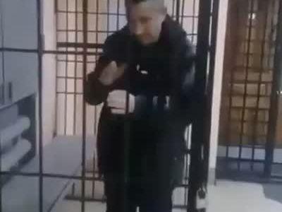 Steven Seagal detenido por hacer tantas pelis de miеrda