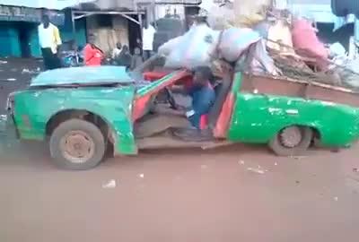 La ITV nigeriana es un pelín más permisiva que la nuestra...