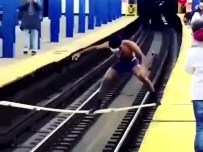 Cuando diseñas el metro y olvidas hacer la comunicación entre andenes
