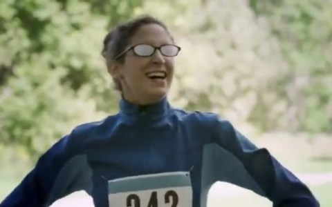 ¿Se te empañan las gafas con la mascarilla? No estás solo