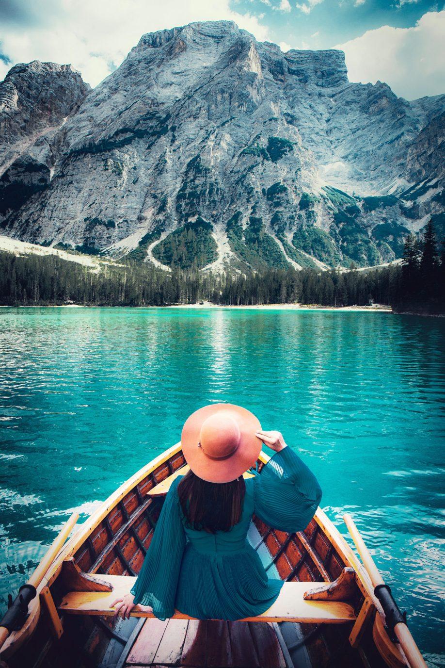 Lago di Braies - łódki dowynajęcia.