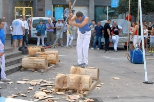 basque sports: wood cutting