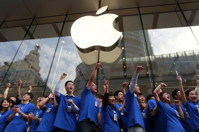 China extends security reviews to gadgets from Apple and others
