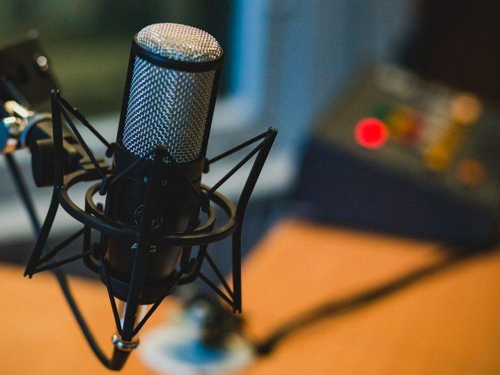 Alter lança canal de podcasts com entrevistas e notícias sobre criptos e inovação