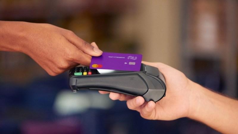Acordo do Nubank com Creditas amplia portfólio de produtos do 'roxinho', que agora visa gerar lucro antes do seu IPO