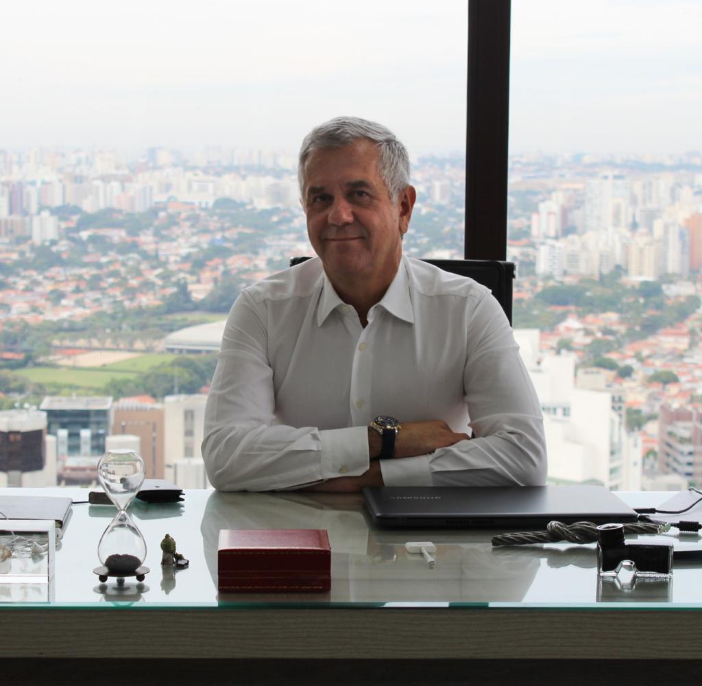 Uber Chip, criado em parceria com a Surf Telecom, já está em todos os Estados do Brasil