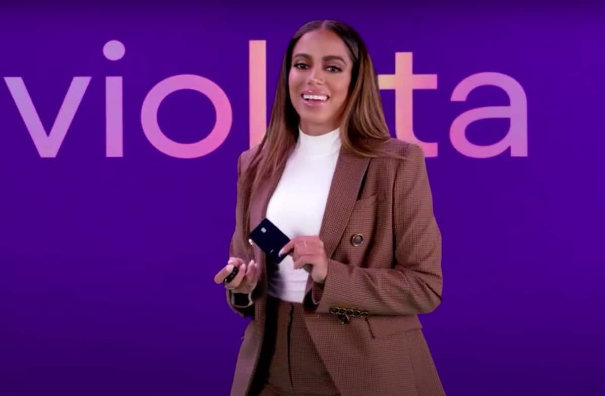 Nubank lança cartão de metal para alta renda e entra para a Apple Pay