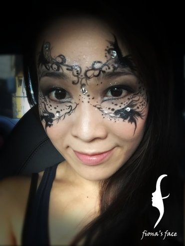 Halloween makeup by HK face painting artist fiona
