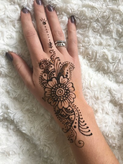 Henna tattoo - Hand piece