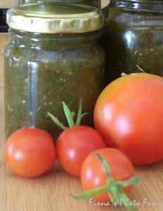 Tomatoes & pesto branded