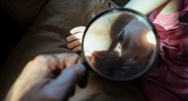 luca_magnifying_glass