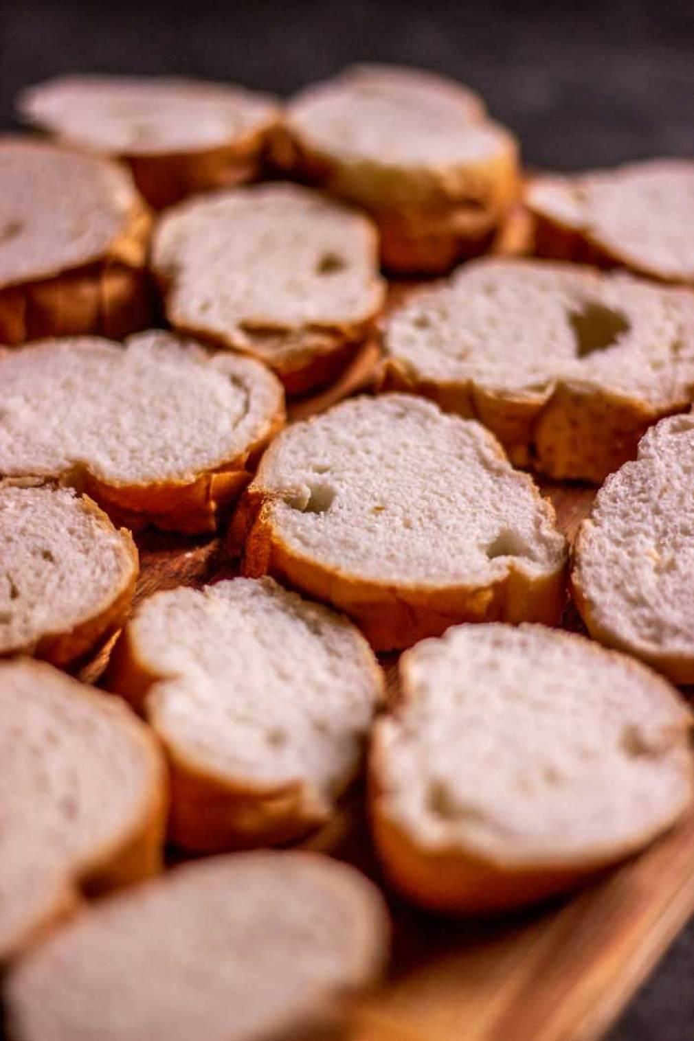 Pães umedecidos com leite
