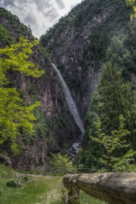HDR des Wasserfalls.