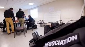 Le souffleur : dans l'ombre des négociateurs du Raid