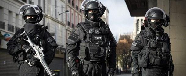 L'homme fiché S retranché dans un immeuble à Paris a été maîtrisé