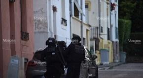 Un forcené maîtrisé par les policiers du RAID