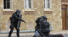 Christophe Castaner visite les unités d'élite du GIGN et du RAID