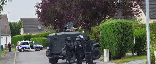 Retranché à Charleville-Mézières, il menaçait de tuer son père: le RAID intervient dans la nuit de dimanche à lundi