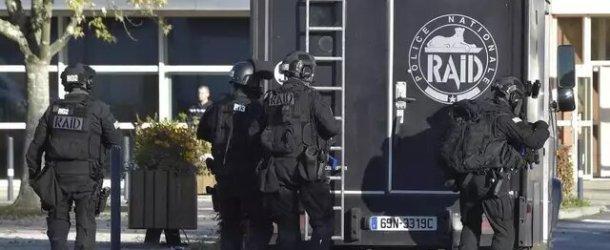 Corbeil-Essonnes : Le RAID interpelle un homme armé qui séquestrait sa compagne à leur domicile
