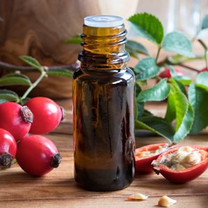 Rosehip Oil provides essential fatty acids which balance hair hydration and control frizz