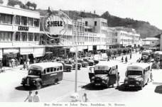 Gambar stesen bas SANDAKAN di atas sekeping poskad