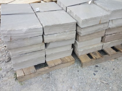 tennessee-quarry-blue-sandstone-snapped-steps-3-ft-gray-natural-stone-patio-walkway-stairs