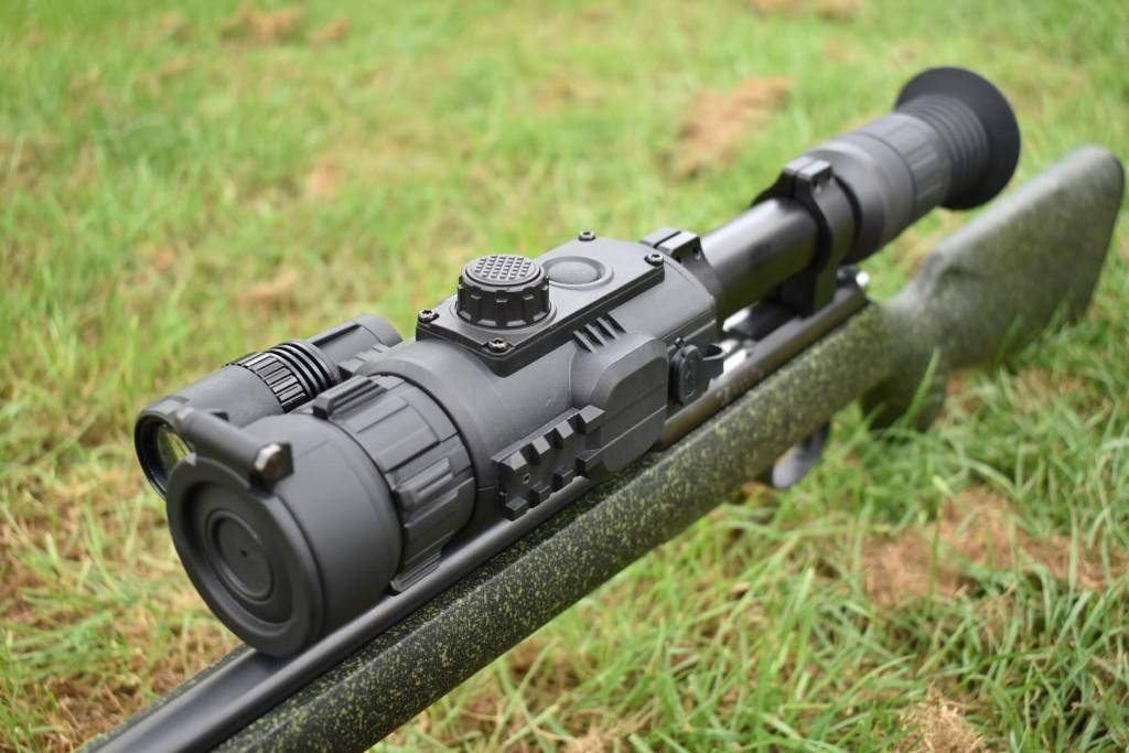 Firearms UK Review - by 617 - Yukon Photon RT