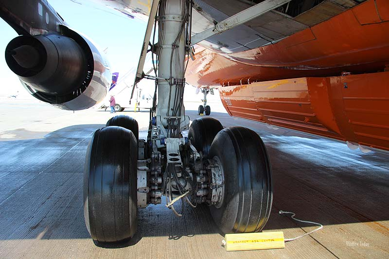 Landing gear of Air Tanker 910
