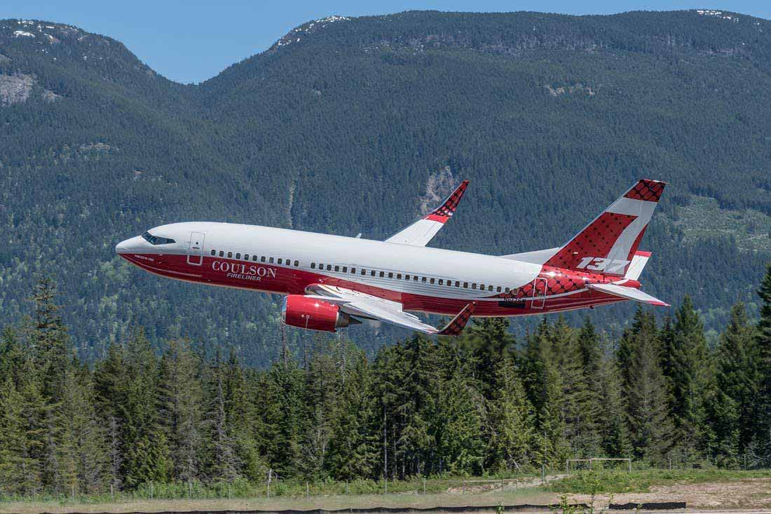 Photos of Coulson's 737-300 air tanker