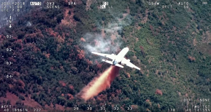 DC-10 drop Pole Creek Fire 2018