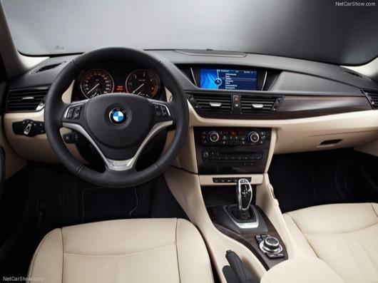BMW-X1_wallpaper_1