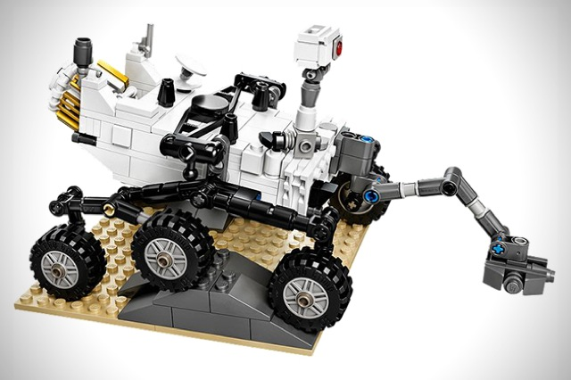 LEGO-NASA-Mars-Science-Laboratory-Curiosity-Rover-1