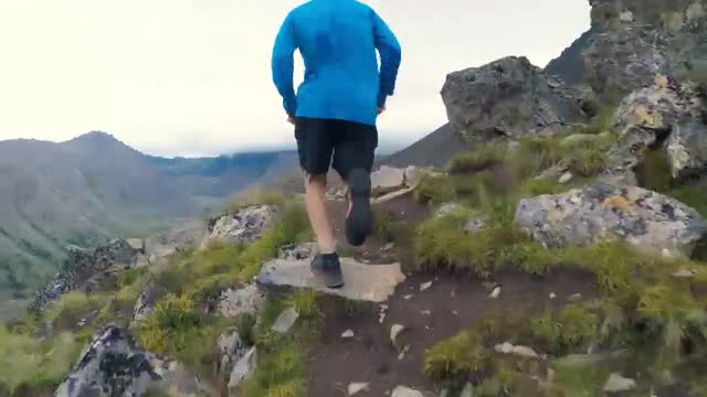 libby-group_norris-vid-1_mtn-running-brushing_ipad-mp4