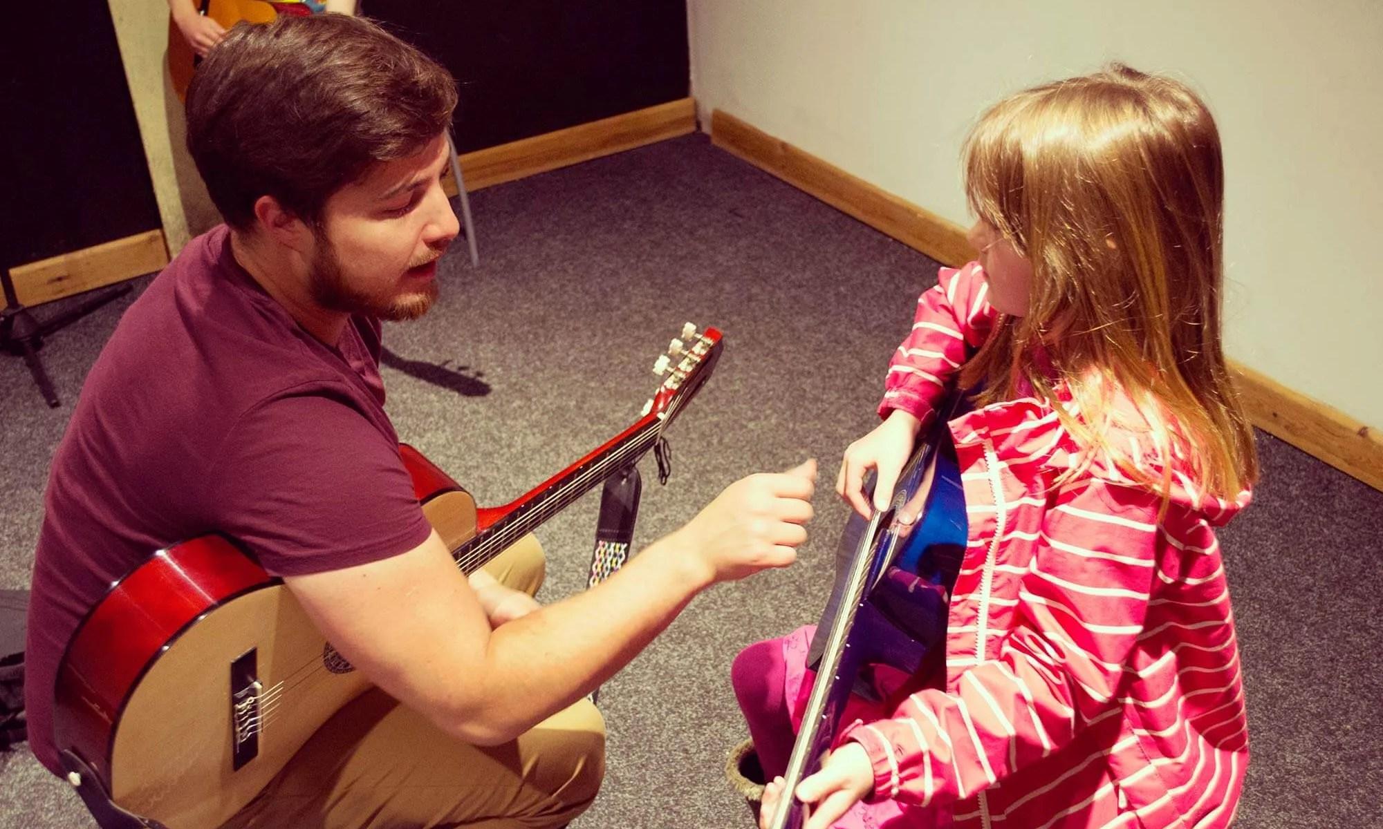 Alun teaching guitar
