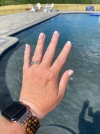 Enjoy your nails anywhere!