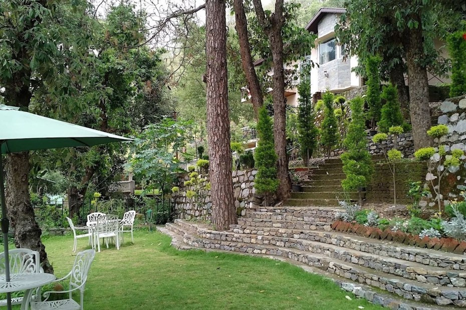 6 Landscaping Ideas for Hilly or Sloping Areas