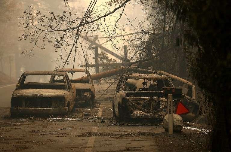 cap-fire-evac-cars_063_1060030926.jpg