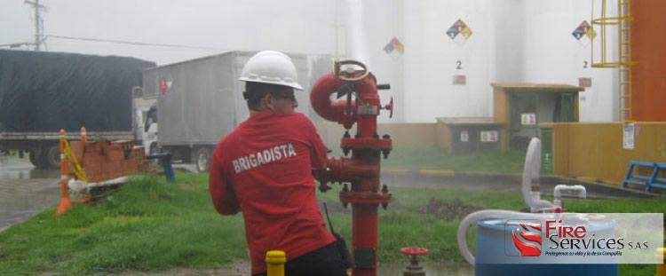 Expertos en inspección de equipos contra incendio