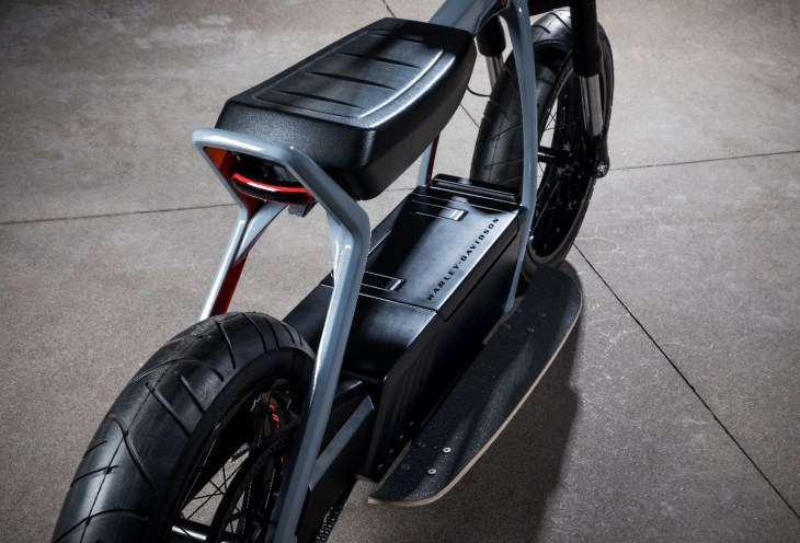 Harley Davidson 2020 Electric Scooter Concept_3.jpg