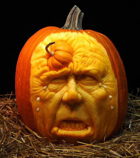 MindBlowing-Pumpkin-Carvings-by-Ray-Villafane-8