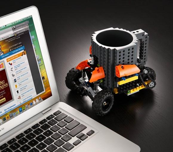 ee3c_build-on_brick_mug_desk