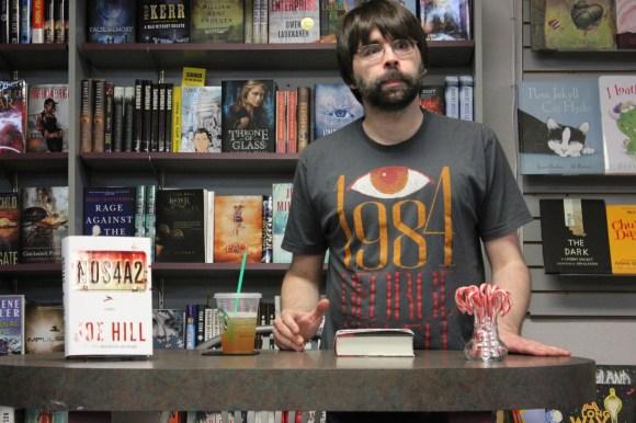 Joe Hill at Mysterious Galaxy Bookstore (6)