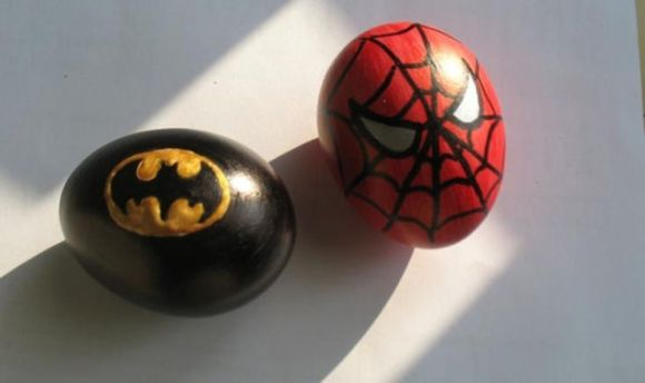 comic-batman-superman-eggs