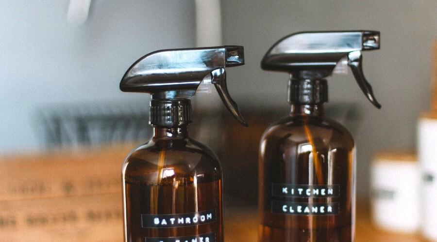 4 Natuurlijke schoonmaakproducten die je thuis moet hebben