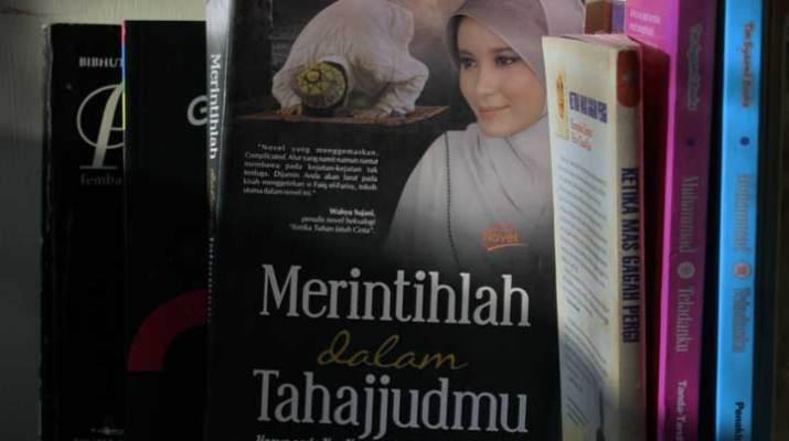Novel Merintihlah Dalam Tahajjudmu